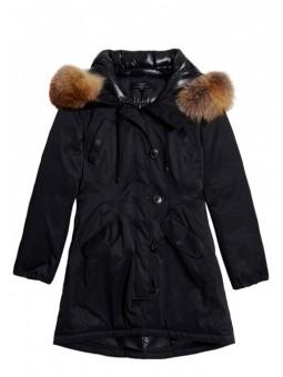 Abrigo negro con pelo natural On parle de vous