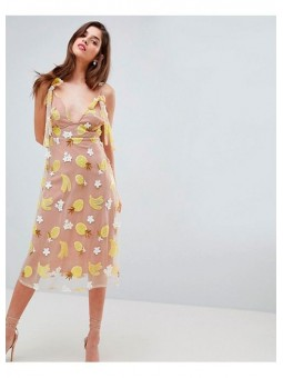 Vestido midi de lentejuelas con estampado de frutas de For Love and Lemons
