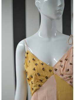 Vestido naranja y rosa de ALPHAMOMENT